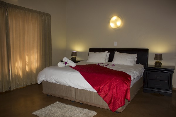 Thabaledi Game Lodge Chalet Main Bedroom